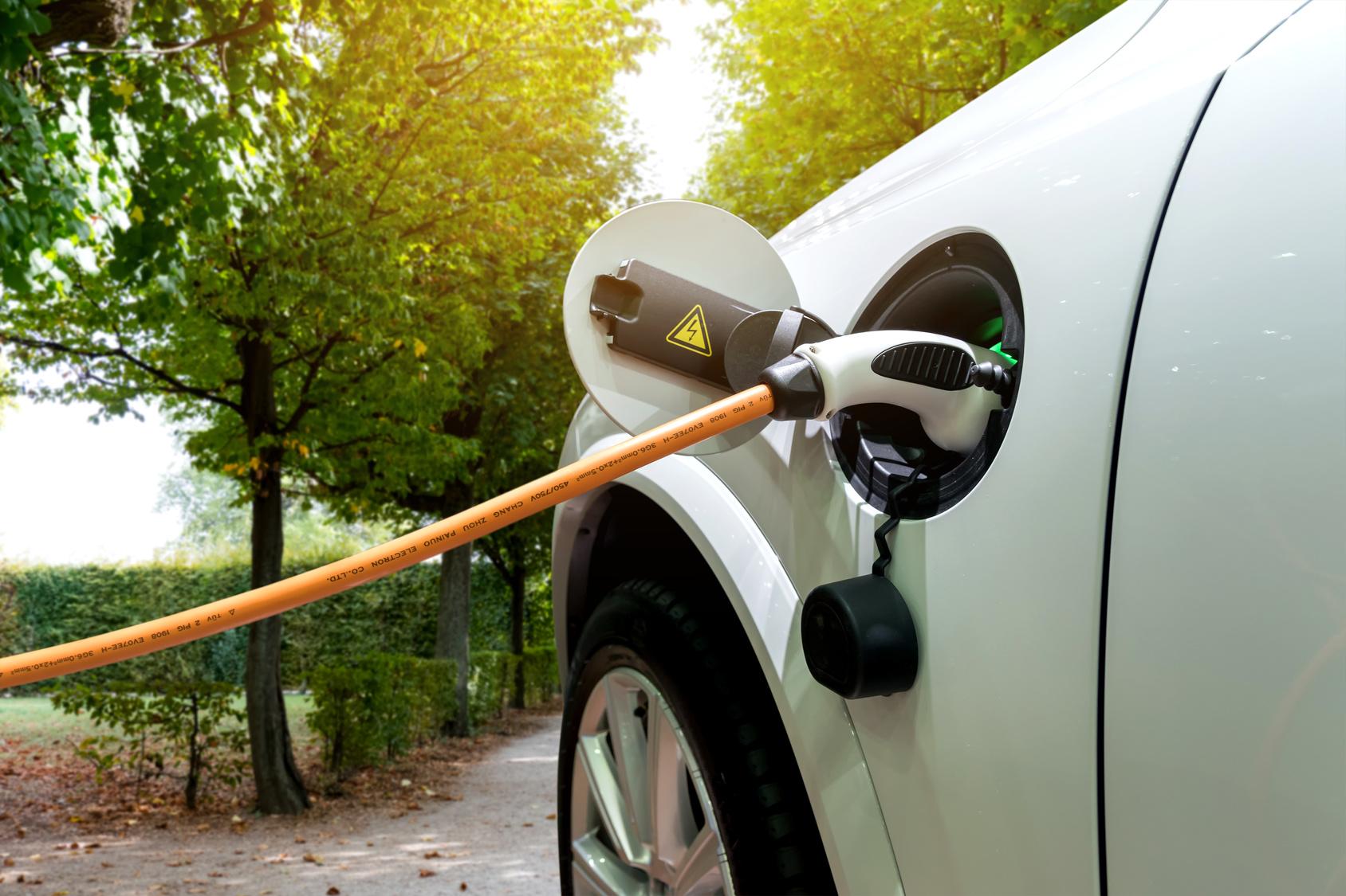 Nachhaltig fahren: So lassen sich Umwelt und Geldbeutel schonen - Auto
